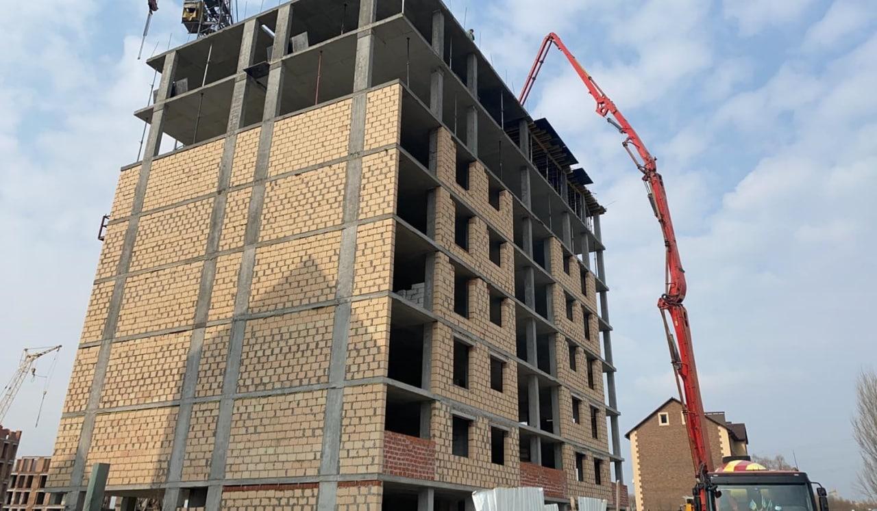 """Дом """"Власна № 9"""": заканчивается бетонирование плиты перекрытия 8 этажа."""
