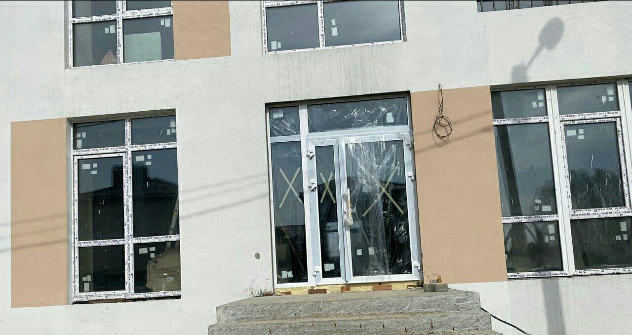 """Дом """"Власна №2"""":  установили двери входной группы (подъезд)"""