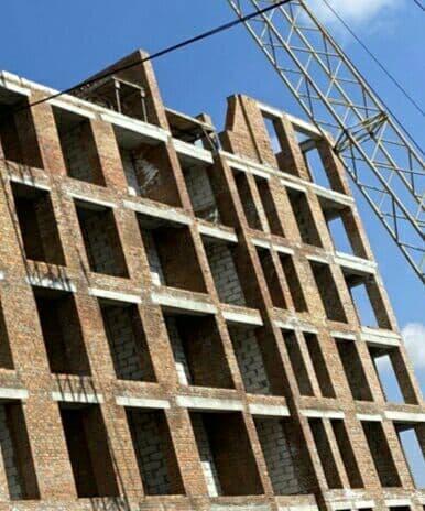 """Дом """"Власна № 4"""": ведется кладка стен 6 этажа."""
